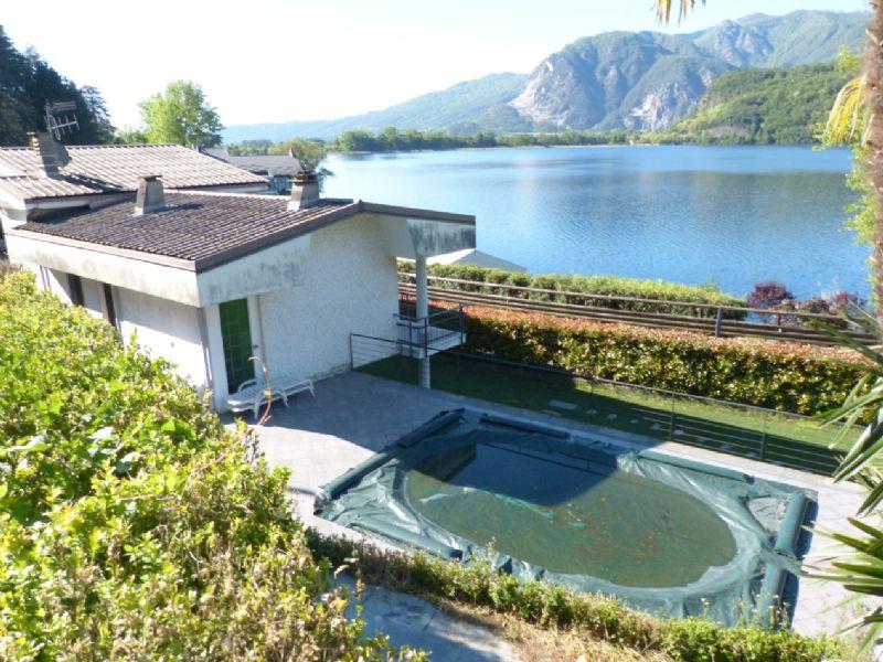 Villa con piscina e giardino a Mergozzo