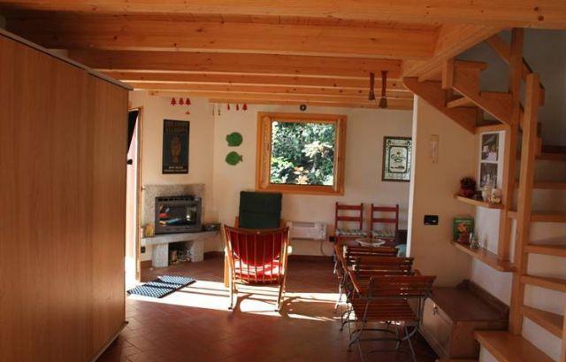 Casa indipendente con giardino e vista lago nella zona di miazzina - Case in vendita grosseto con giardino ...