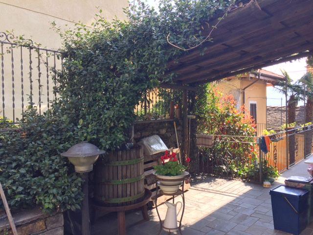Rustico ristrutturato Oggebbio con giardino