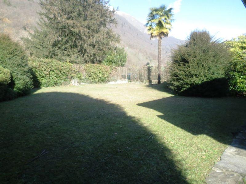 Casa indipendente vista lago e giardino