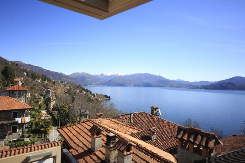 Oggebbio casa di paese con graziosa vista del lago for Case di legno del paese del lago
