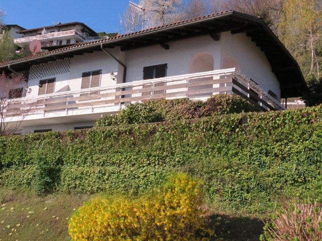 Appartamenti affitto lago maggiore immobiliare ghioni maila for Case in vendita nelle isole greche