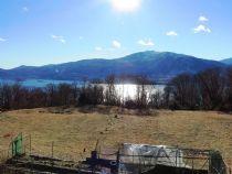 Verbani Suna immobili con ampia vista lago e giardino